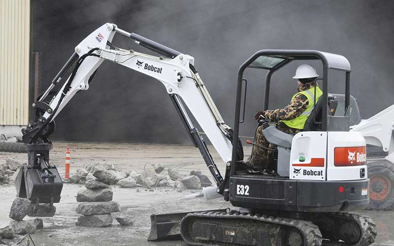 How Much Does it Cost to Lease a Bobcat Mini Excavator? Compare Mini Excavator Lease Rates